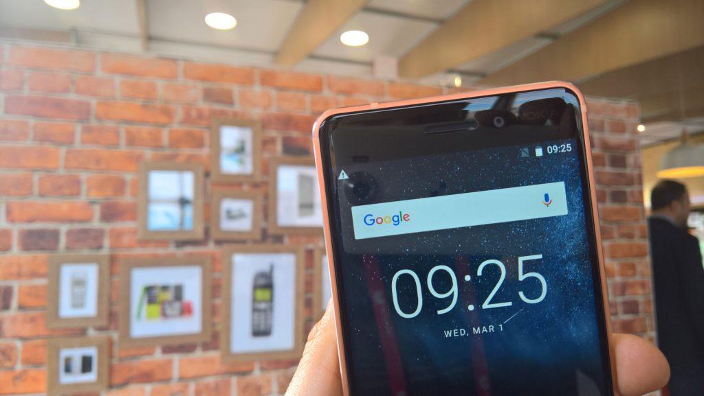 Despiezando el Nokia 6 en vídeo 1