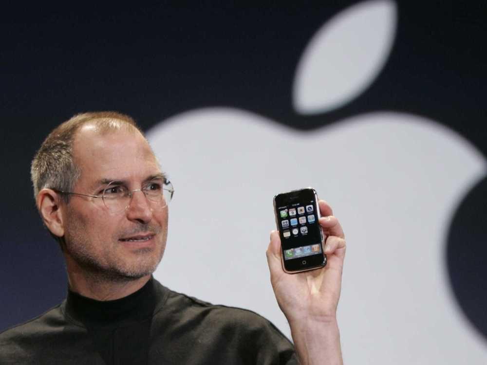 Steve Jobs presentando el iPhone original