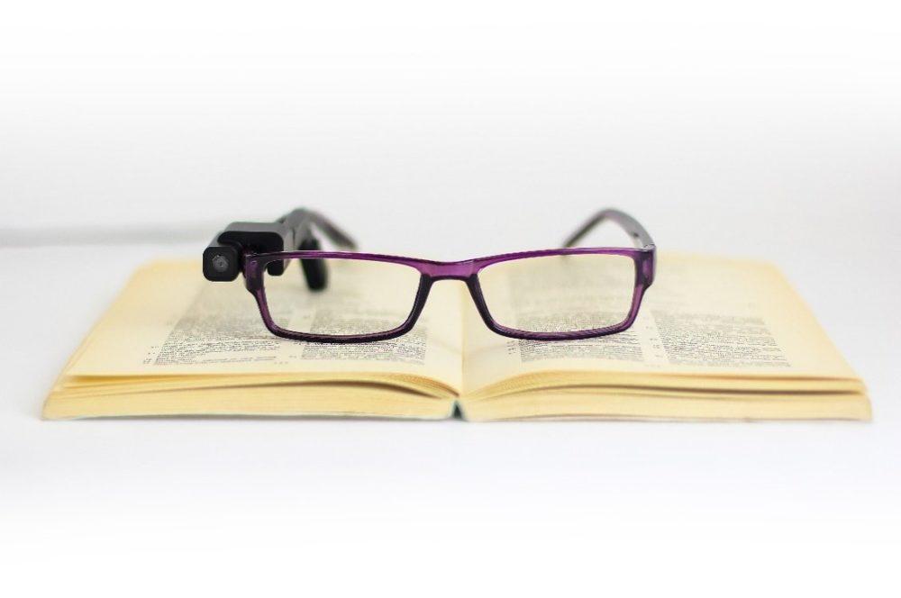OrCam My Eye, el wereable que ayuda a invidentes a leer y reconocer caras 1