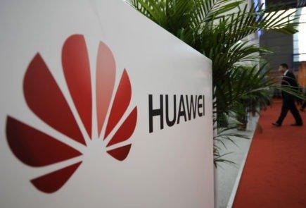 Huawei prepara su teléfono plegable para el 2018