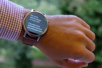 Reloj inteligente con un algoritmo nuevo de detección automática de actividad
