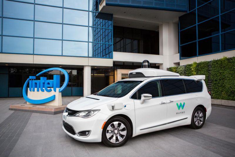 Intel trabaja con Waymo para construir un coche totalmente autónomo