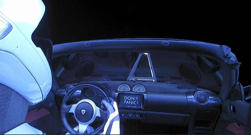 Sigue en directo como el Falcon Heavy manda al espacio un Tesla Roadster 1