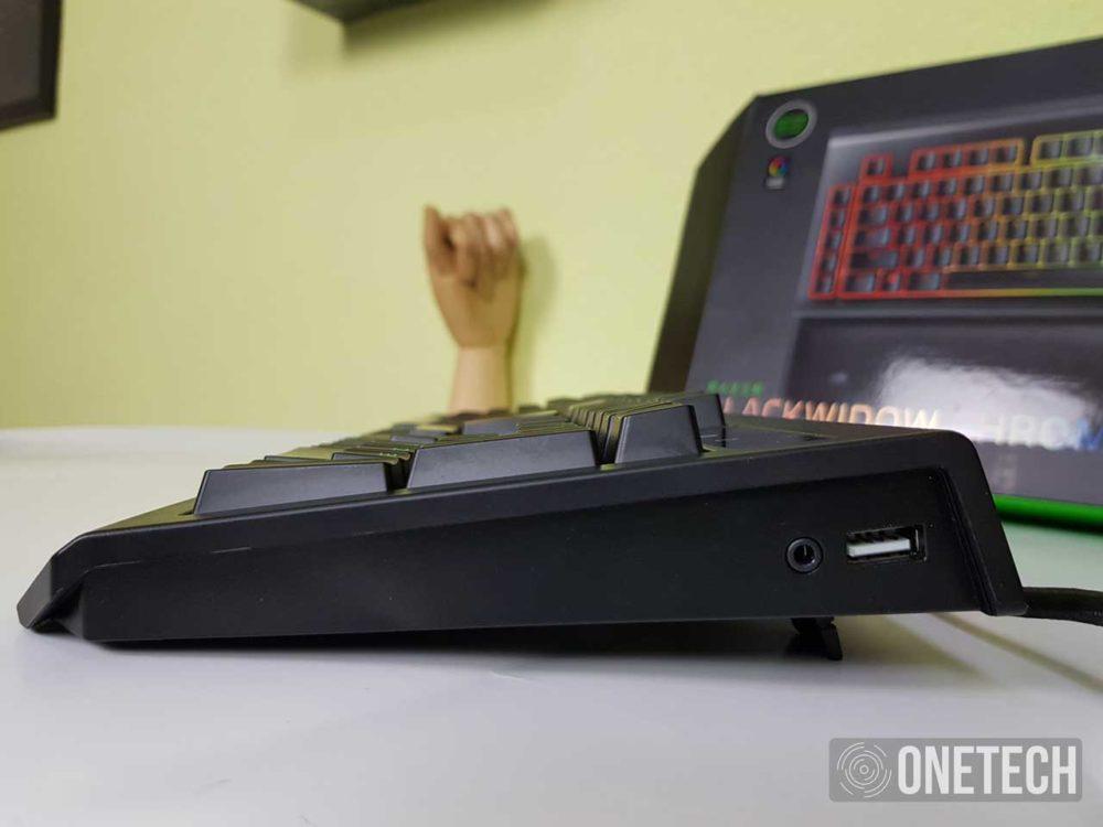Razer BlackWidow Chroma V2, analizamos este increíble teclado mecánico 4