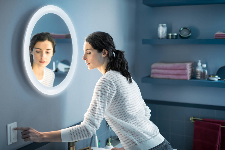 Philips Hue Adore espejo