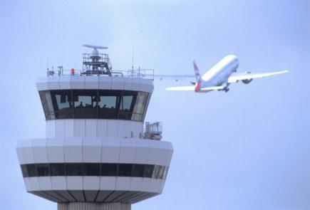 Siguen sin dar con los responsables de los drones sobre Gatwick 2