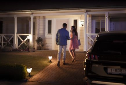 La gama Outdoor de Philips Hue crece con nuevas opciones 3