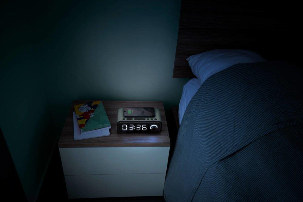 Clock Speaker 4 Wireless Charge