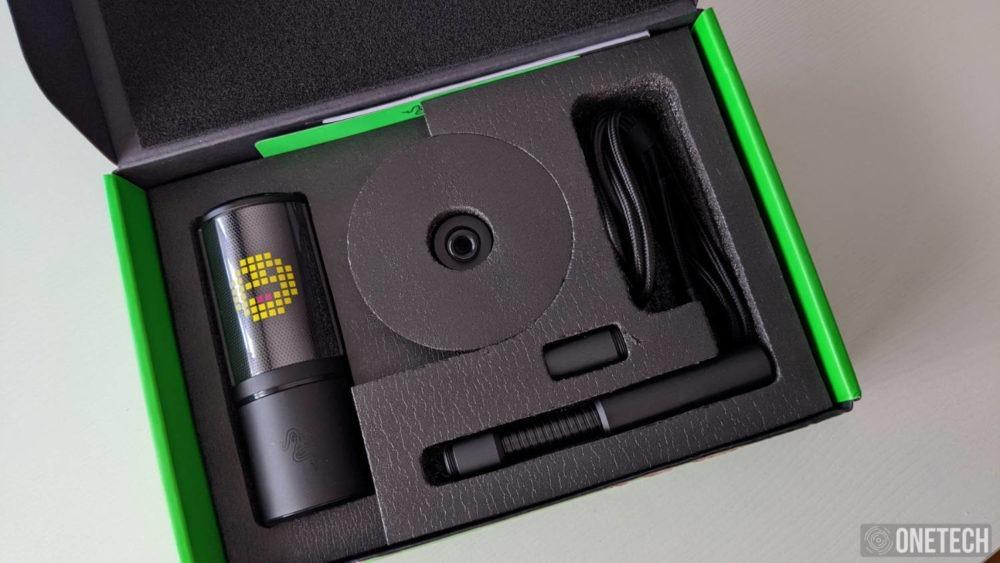 Razer Seiren Emote, un micro para streamers que se sale de la norma 2