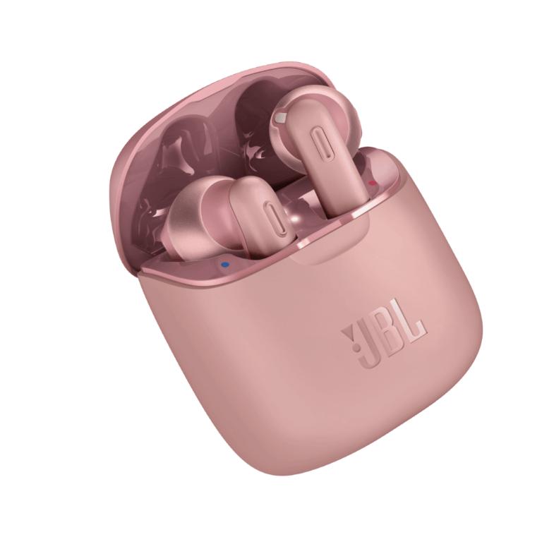 JBL lanza sus nuevos auriculares Tune 220TWS True Wireless 1