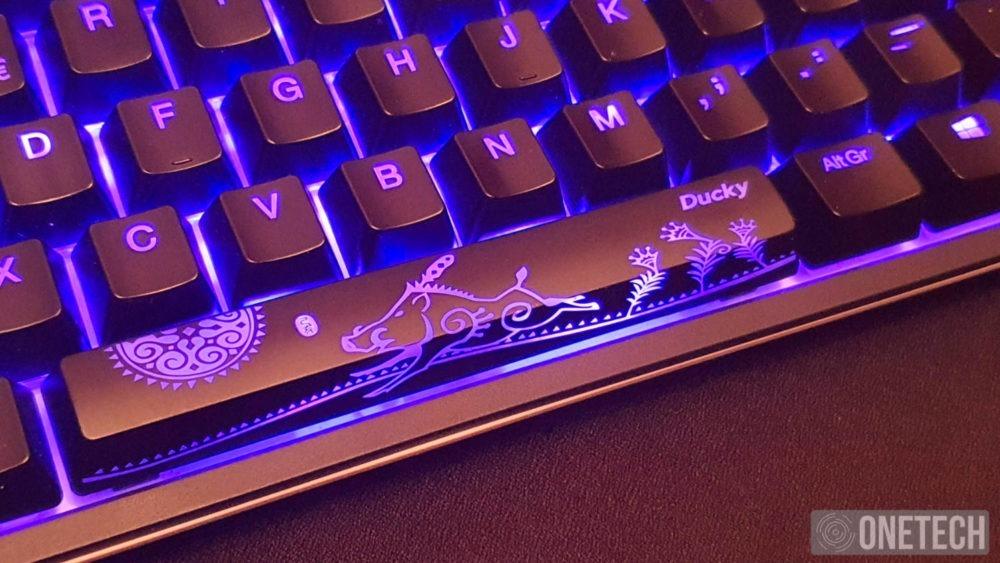 Ducky One 2 TKL RGB, probamos este teclado mecánico y te contamos la experiencia 4