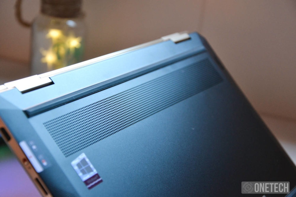 HP Spectre x360 PARTE INFERIOR