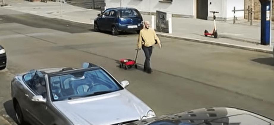 Un carrito y 99 móviles bastan para engañar a Google Map