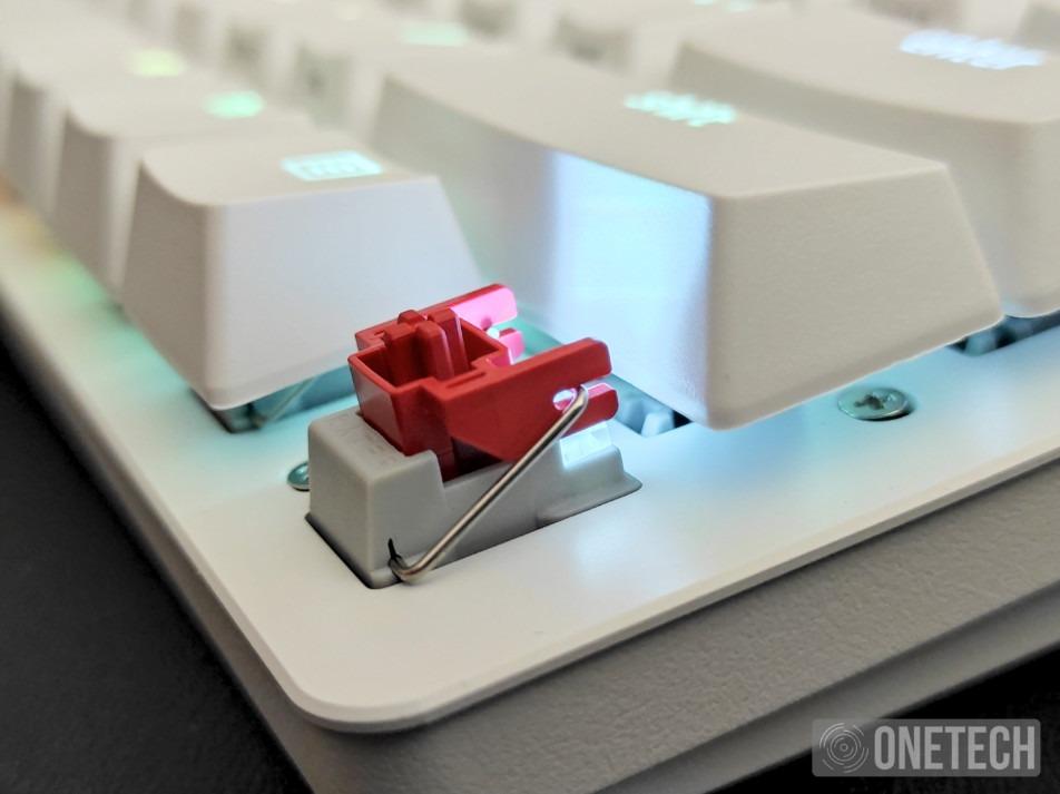 Razer Huntsman Mini, probamos este teclado 60% con switches ópticos lineales 6