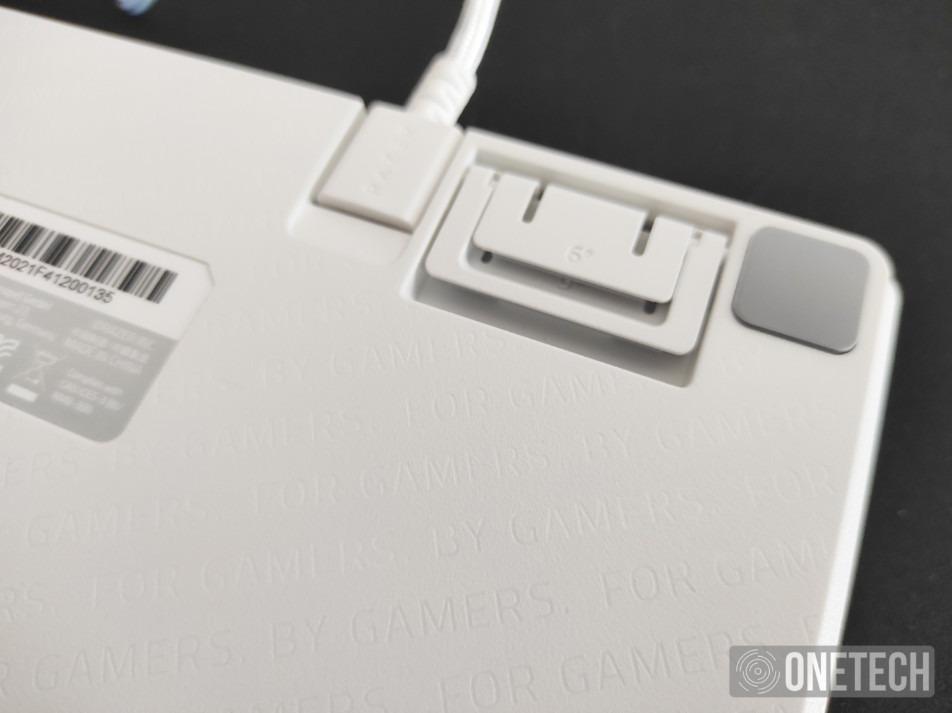 Razer Huntsman Mini, probamos este teclado 60% con switches ópticos lineales 3