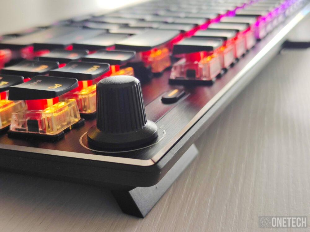 Análisis del Roccat Vulcan TKL, un teclado gamer compacto 6