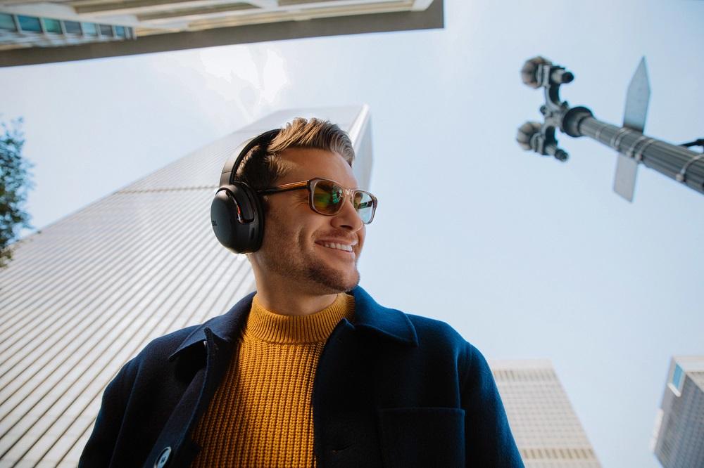 JBL Tour: nueva gama de auriculares para profesionales 1
