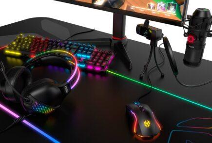 Krom Klaim, unos auriculares que lleva la iluminación RGB hasta la diadema 8